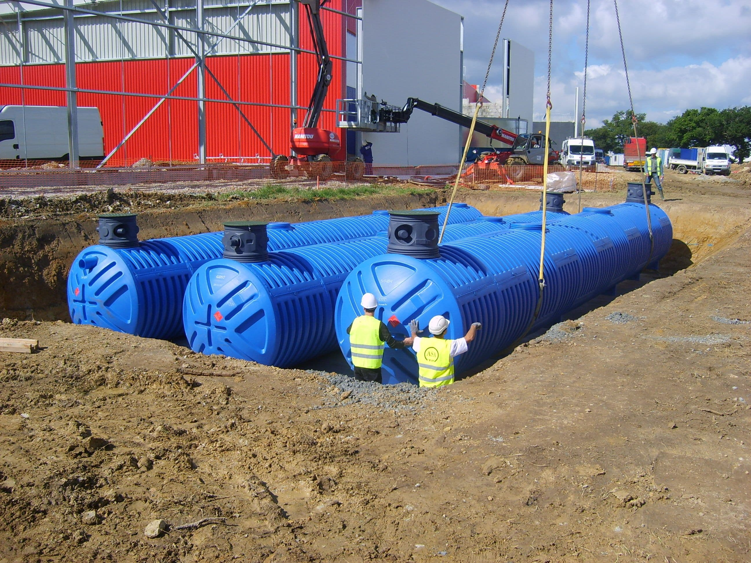 Plastic HDPE Water Tank AQUA MILLION Installation