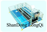 Pig Farrowing crate with metal fence