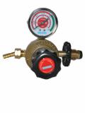 High flow lpg gas regulator with one gauge