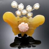 Seven Pearl Yellow Jade Brooch