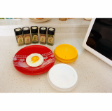 Egg fryer for microwave oven