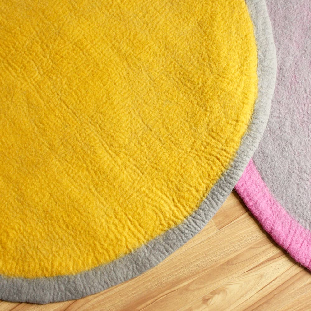 Two Color Yellow Round Felt Rug