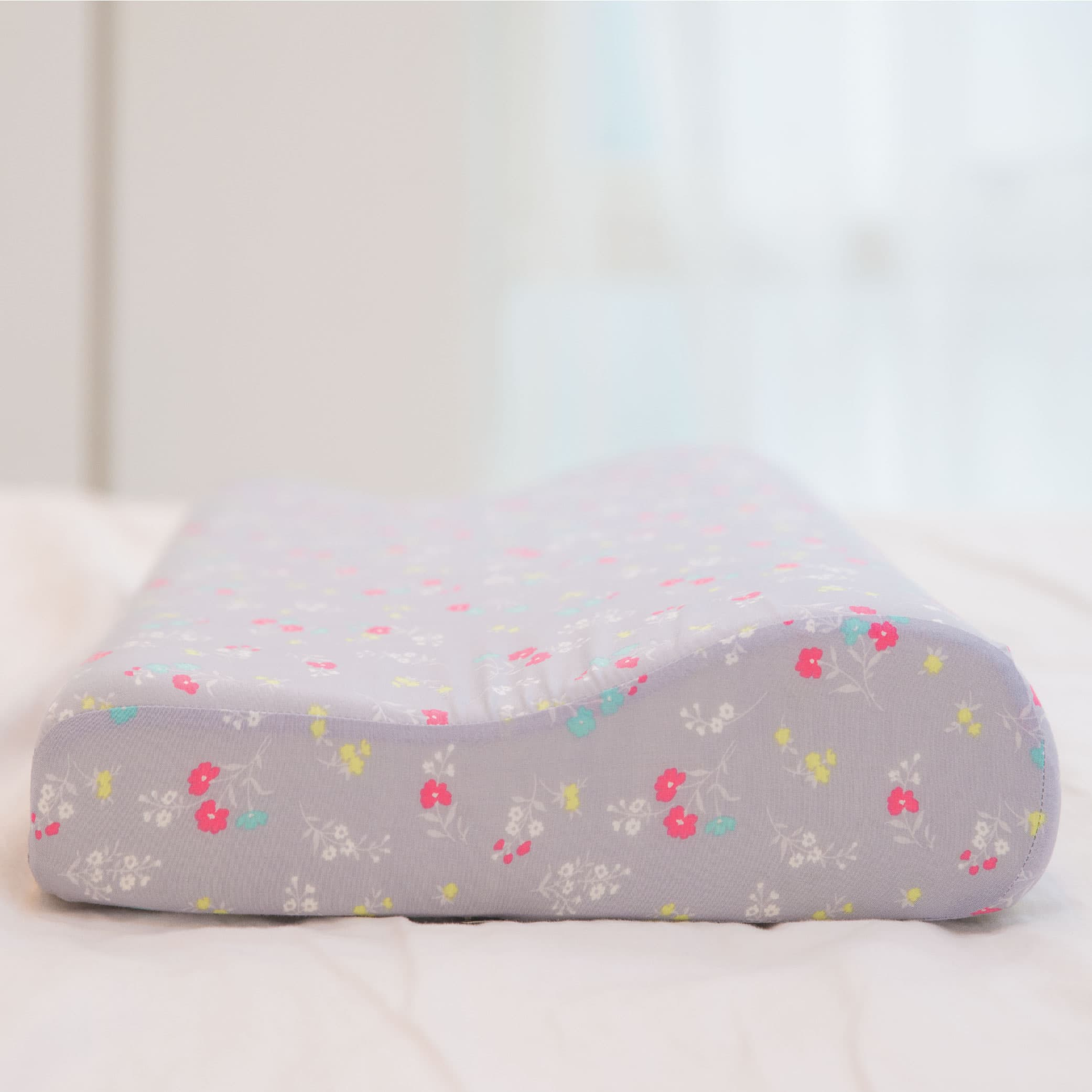 Basic Contoured Memory Foam Pillow