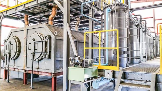 Machine Converting waste plastics into Oil   tradekorea