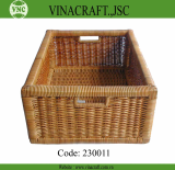 Wicker laundry basket with hole handles