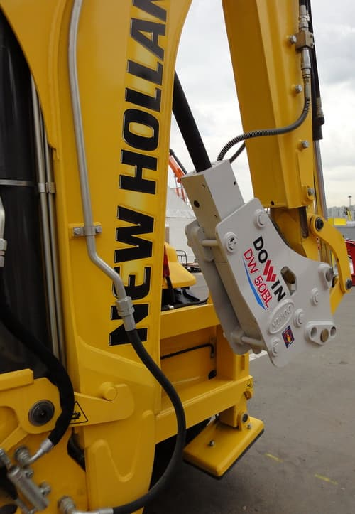Hydraulic Breaker _ DW70BL Backhoe Loader