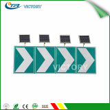Solar LED chevron traffic sign for linear guide