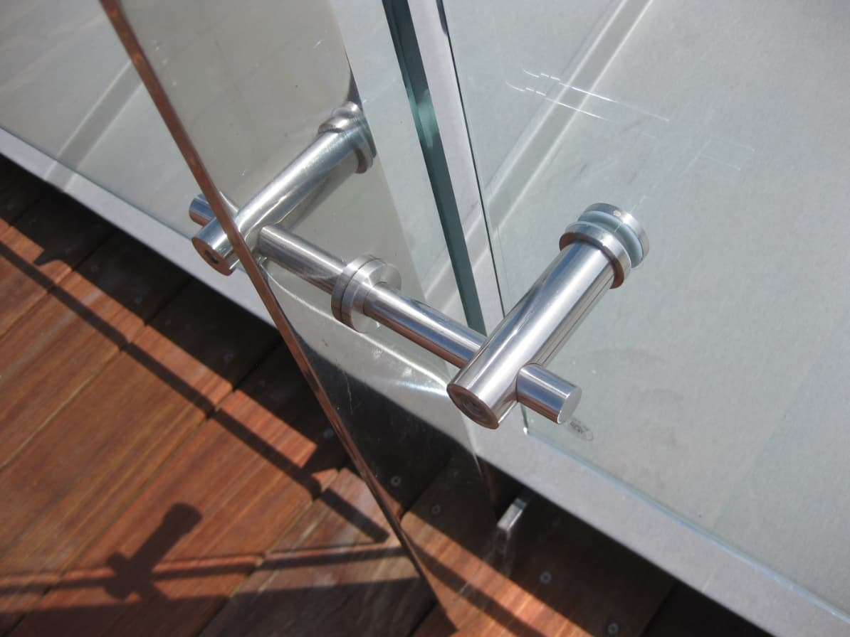 CO_F002_ stainless steel balustrade_ handrail accessory
