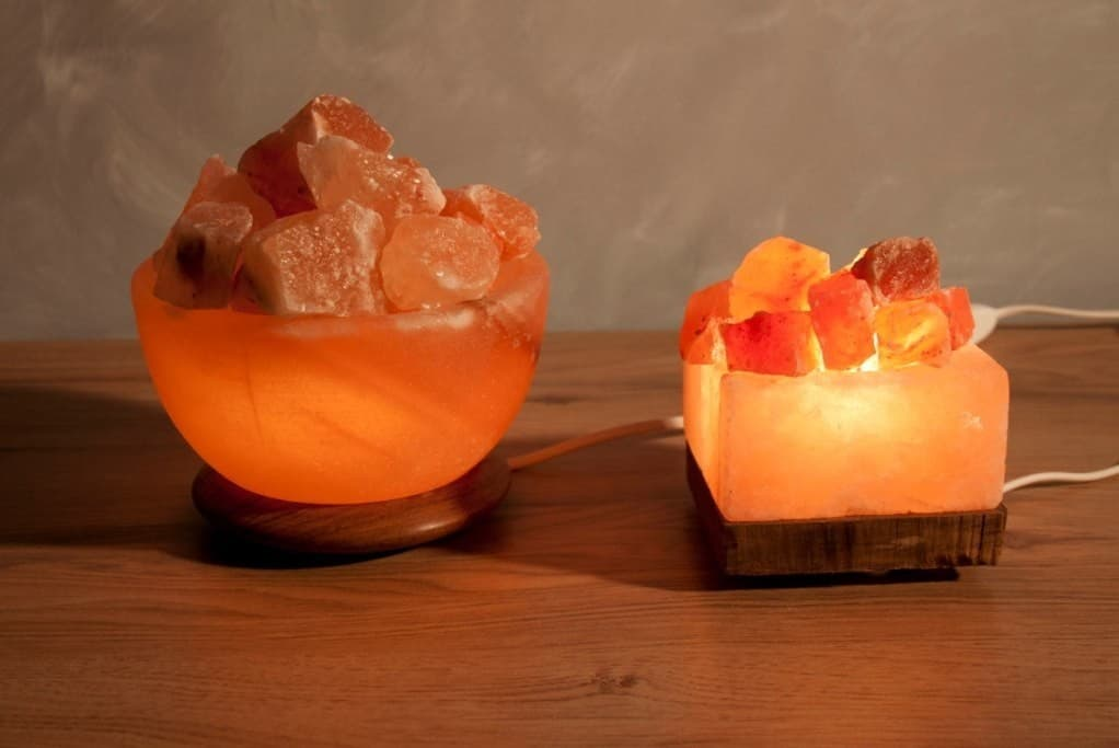 Himalayan Salt Lamp For Eczema : http://www.mineralsroute.com/himalayan-natural-rock-salt/usb-salt-lamps/