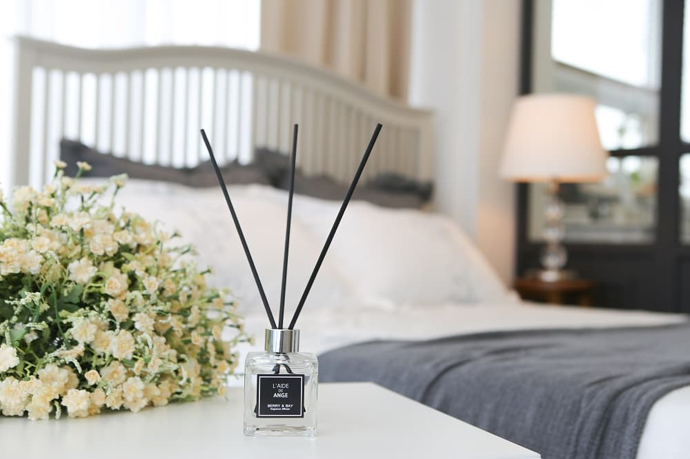 Room air freshener ange reed diffuser from cornerstone - Living room air fresheners ...