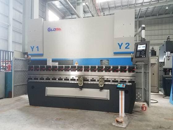 MB8 3+1 axis CNC Hydraulic Servo Press Brake Machine -DELEM