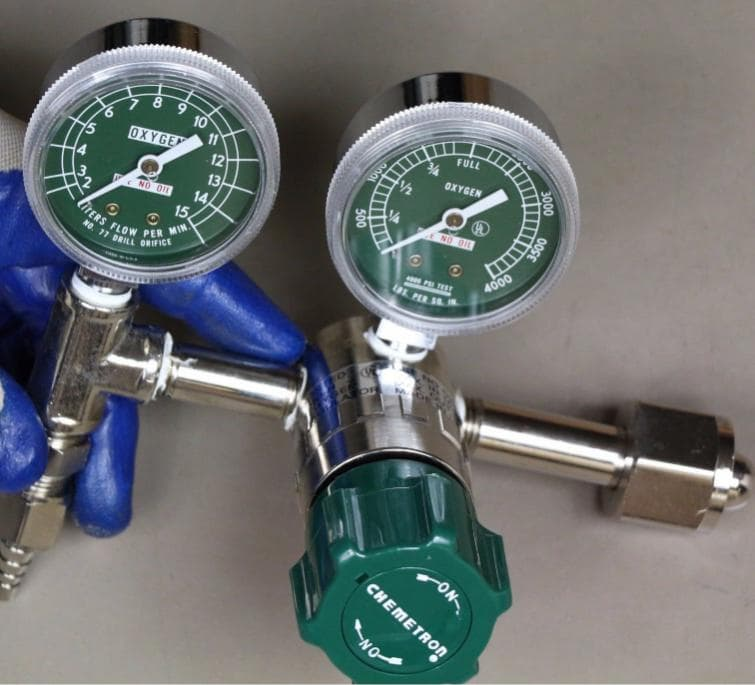 medical equipment oxygen regulator oxygen therapy cylinder