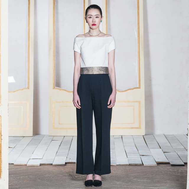 WhiteGold Offshoulder Top  _ High Waist Pants