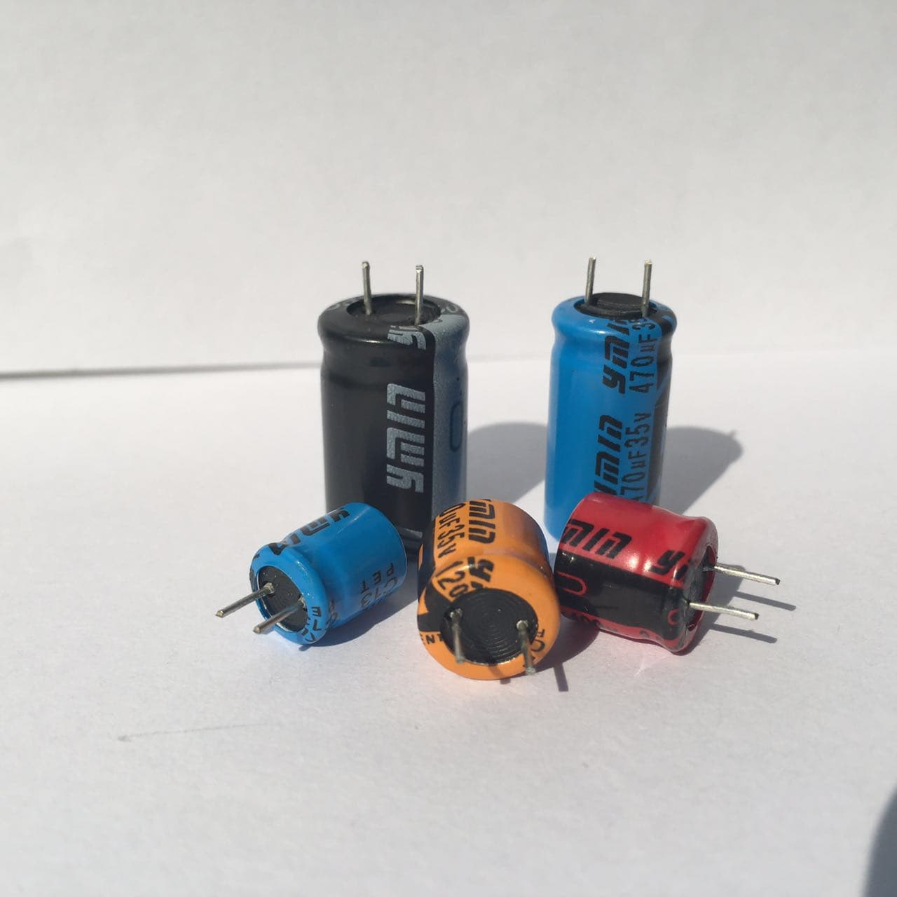 Electrical Equipment Components Telecomspassive Capacitor Led Circuit Product Thumnail Image