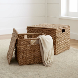 Foldable seagrass laundry basket with steel frame
