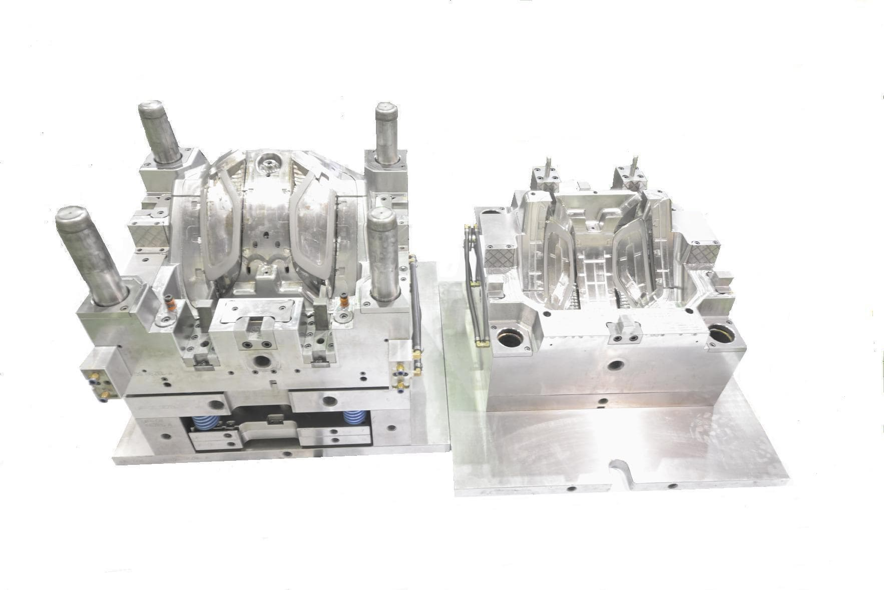 Plastic injection Mold for Automotive Lamp _ Parts