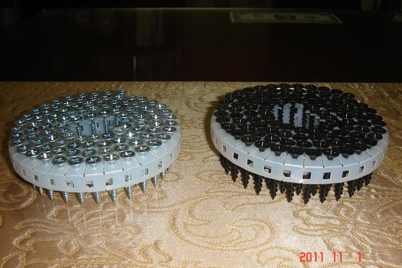 Coil Screw - Plastic Sheet Collated