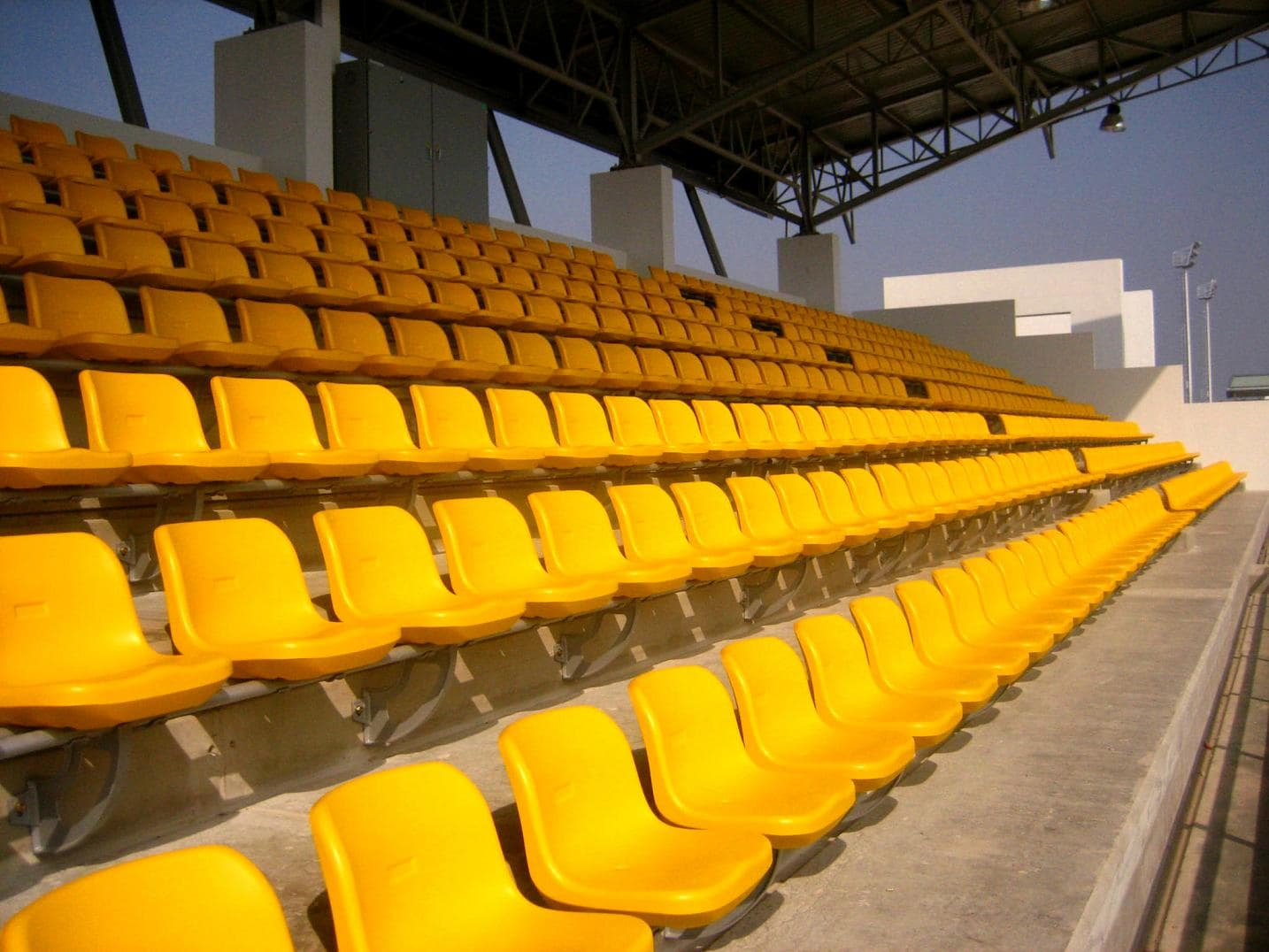 Arena Anti Aging Retractable Seating System Telescopic