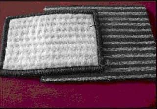 天然钠基膨润土防水毯1.jpg
