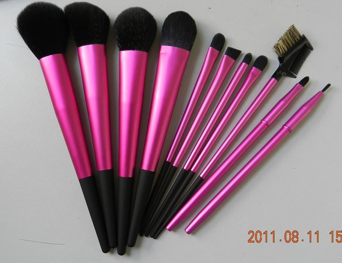 11pcs Hot Pink Makeup Brush Set