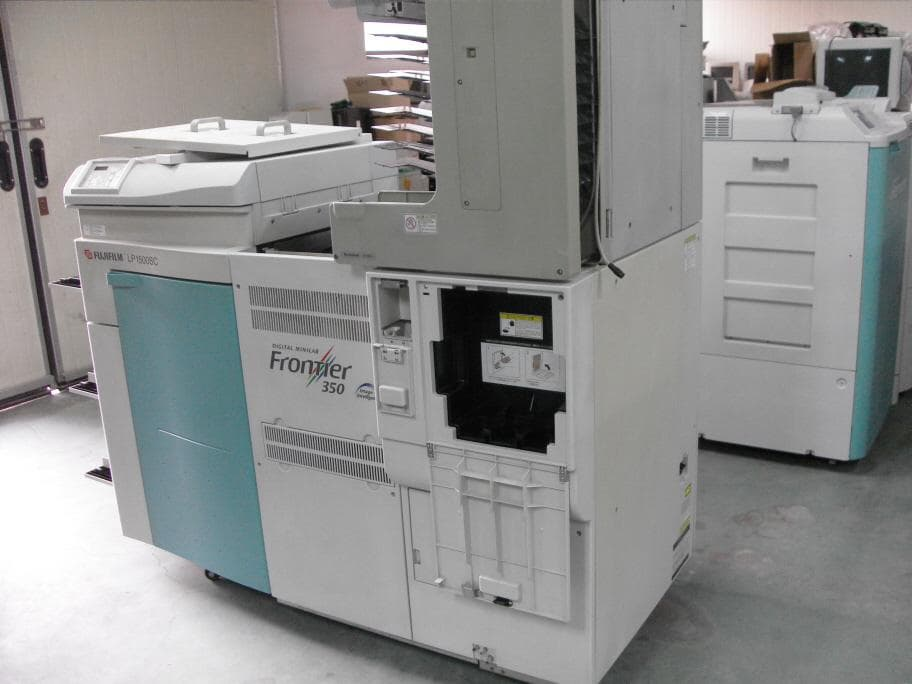 FUJI Frontier F-350 Digital Minilab with SP2000 scanner