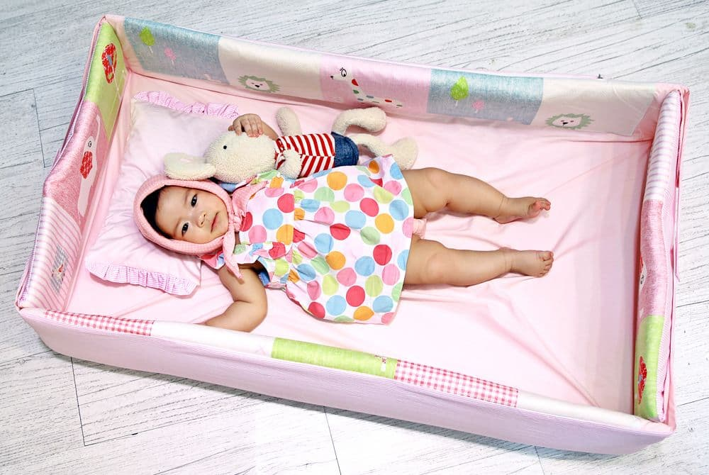 Portable Baby Bed Www Pixshark Com Images Galleries