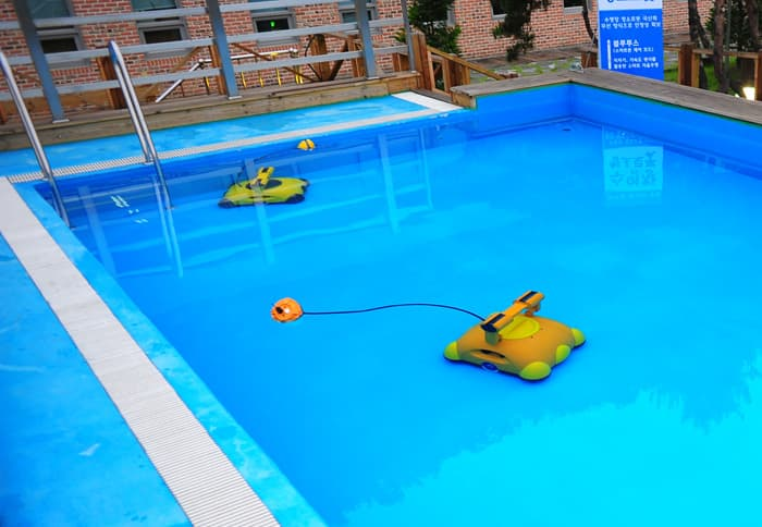 Rogeater(Pool Cleaning Robot)