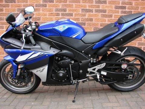 used 2010 yamaha yzf r1 for sale from andy nattapong b2b marketplace portal thailand product. Black Bedroom Furniture Sets. Home Design Ideas