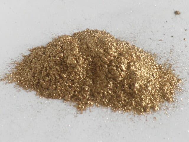 Aluminum bronzing powder