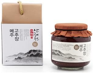 Red pepper paste with fermented soybean powde