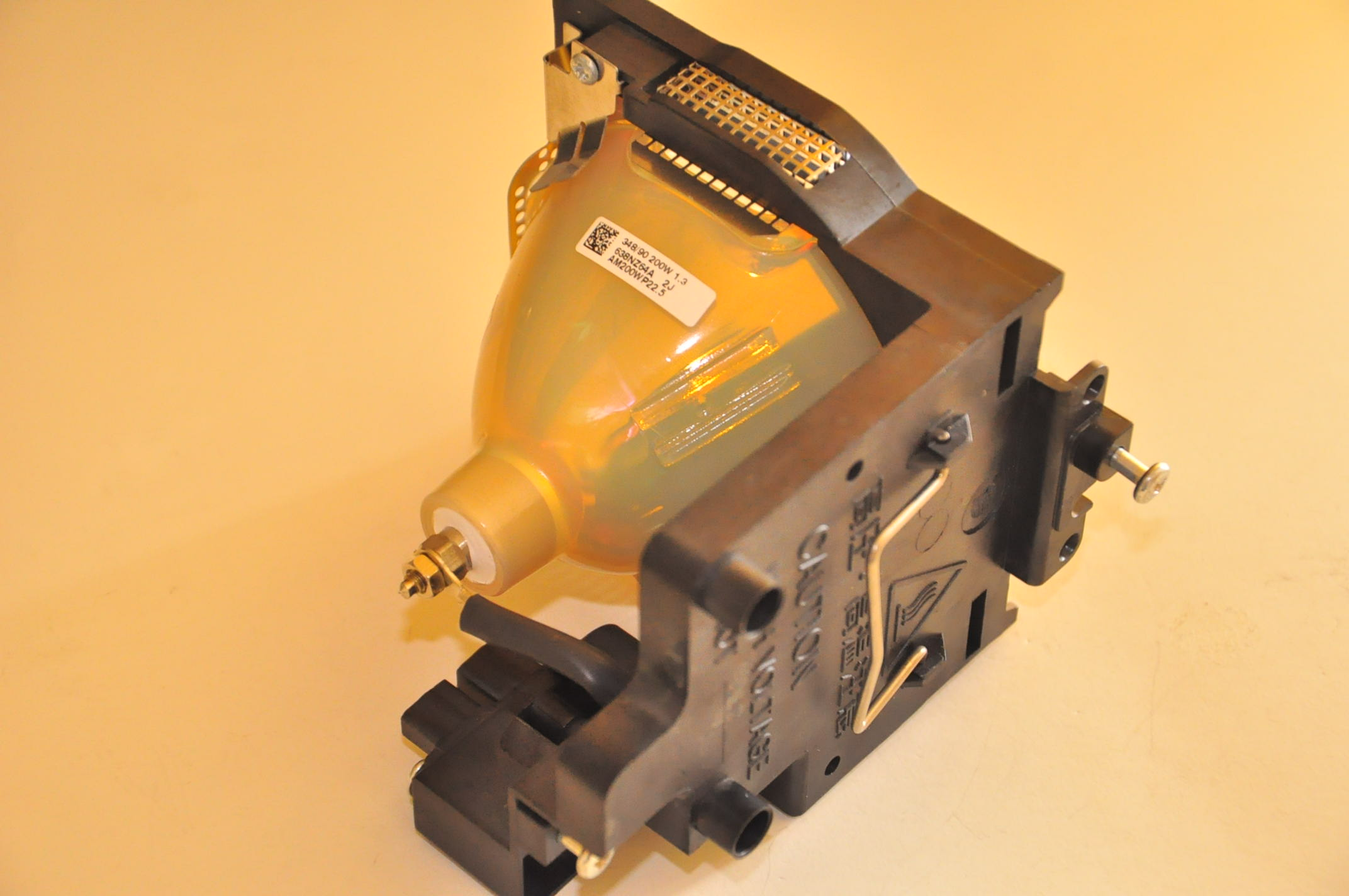 LMP42 UHP200W 1.3 P22.5 (4).jpg