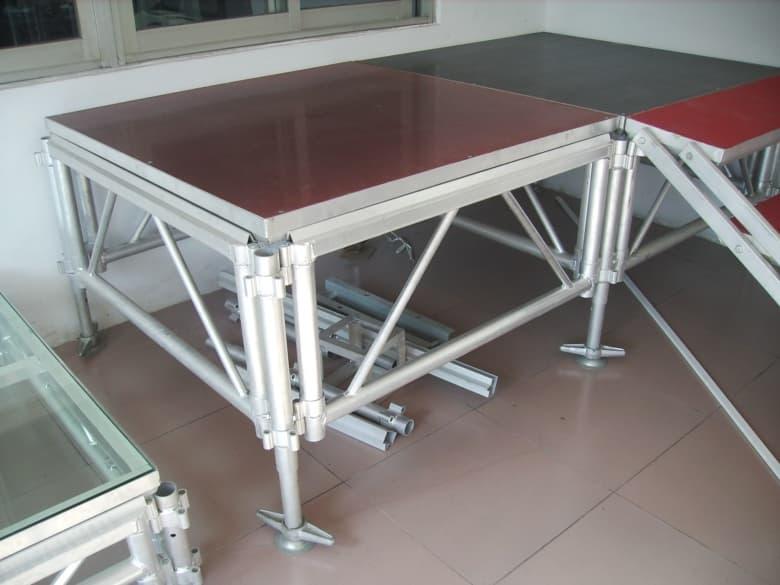 aluminum stage.JPG