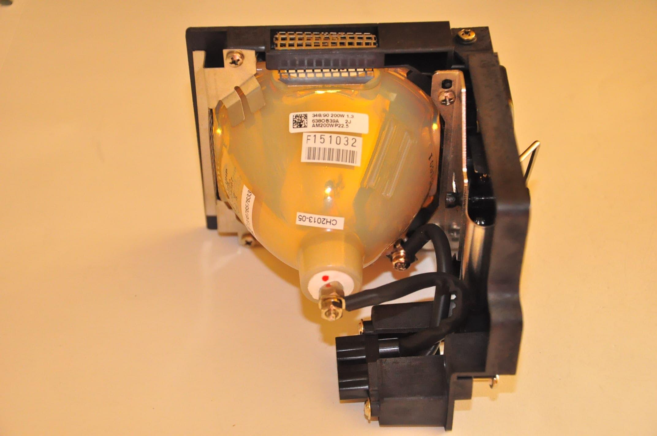 LMP39 UHP200W 1.3 P22.5 (4).jpg