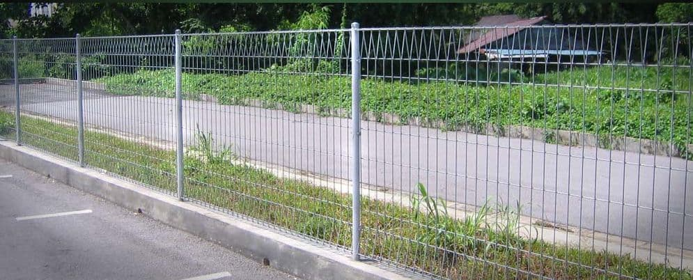 Roll top fence from anping yunfei hardware porduction co