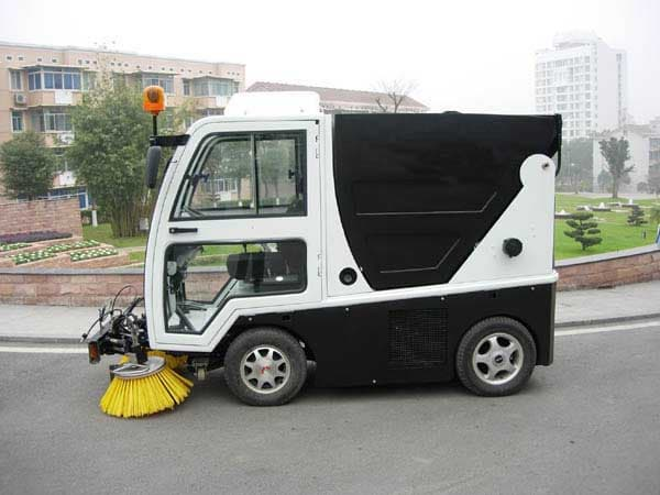 yihong road sweeper yhj5164 road sweeper vehicle Yihong road sweeper tractor  discover ideas about road sweeper yihong road sweeper tractor  (also street cleaing truck, road sweeping vehicle, truck mounted .