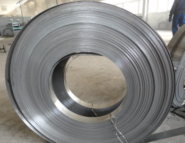 HRC Hot Rolled Steel Coil(Pickled and Qiled)